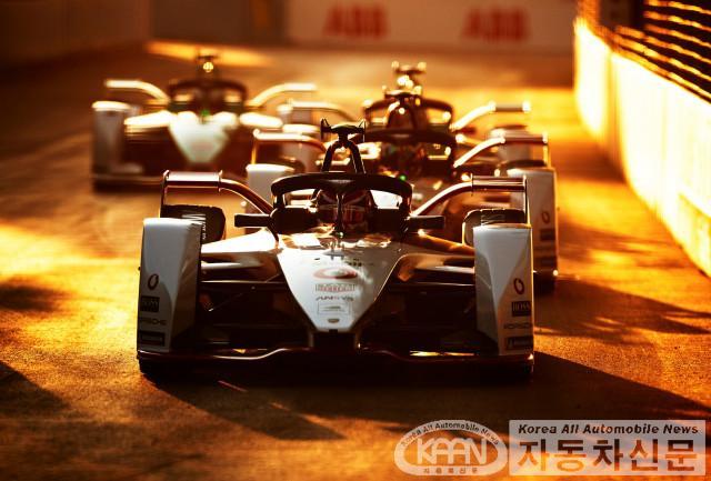 ABB FIA 포뮬러 E 월드챔피언십 시즌 7, 사우디아라비아 야간 경주로 막 올려.jpg